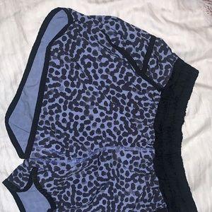 Black and Blue dotted lulu lemon tracker shorts! 8